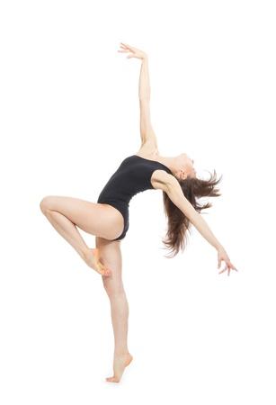bailarinas: Bastante delgado jazz moderno contempor?neo mujer estilo bailarina de ballet pose aislado en un fondo blanco de estudio