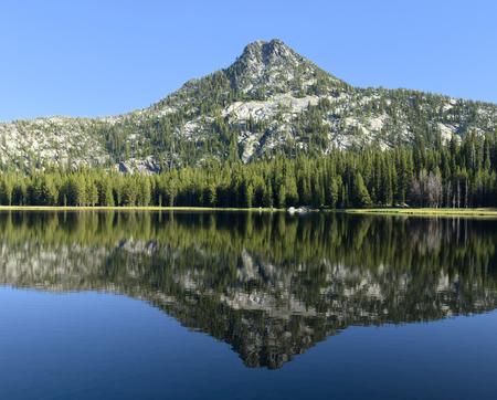 Anthony Lake Фото со стока