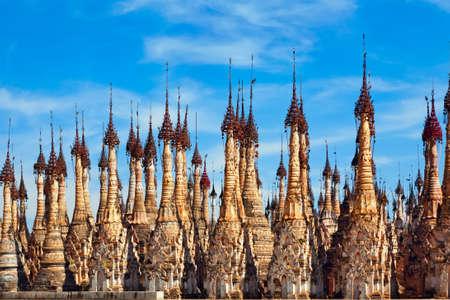 古代の仏教 Kakku 塔 - ミャンマーのインレー湖の近く年間支払う適性検査祭り、人気の旅行先の場所。伝統的な芸術、文化およびビルマの人々 の宗教