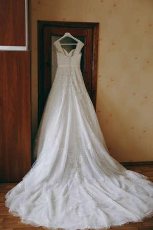 luster: Beautiful bride wedding dresses separately