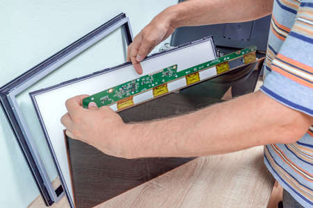 LED monitor repair, restore screen with replacement lcd panel