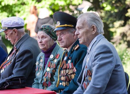 seconda guerra mondiale: Makeevka, Ucraina - maggio, 7, 2014: Veterani della seconda guerra mondiale, durante la celebrazione della ricorrenza della vittoria sul fascismo