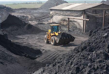 wheel loader: Wheel loader machine loading coal