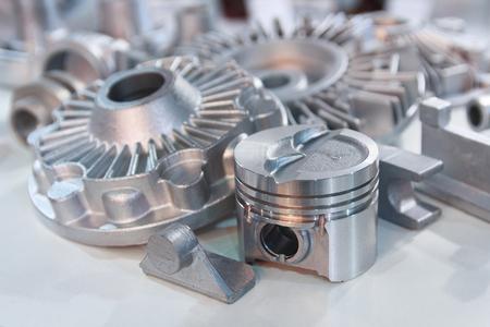 Metall-Produkte aus Gusstechniken closeup. Industrie