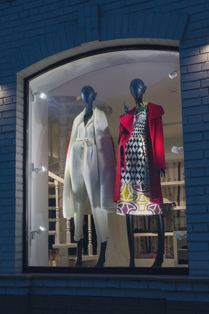 mannequins: Female mannequins in fashionable dress on storefront