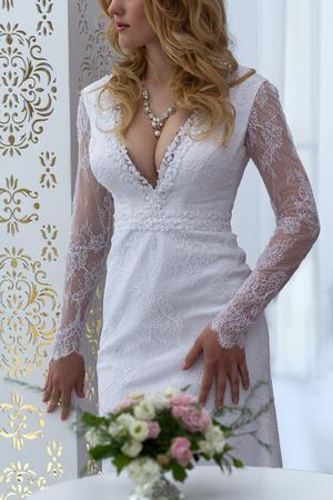 顔のない美しいドレスの花嫁 写真素材