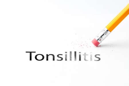 pus: Primo piano di matita e gomma nera testo tonsillite. Tonsillite. Matita con gomma.