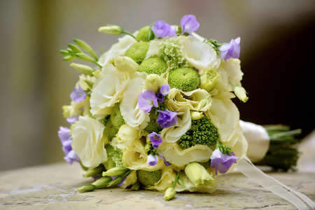green wedding bouquet with eustoma flowers