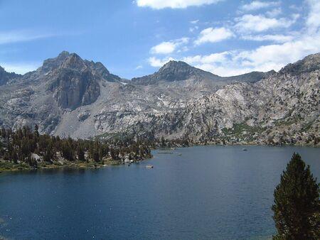 高いシエラ高山湖 写真素材