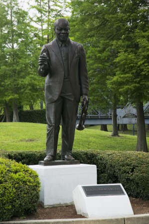 louis armstrong: Louis Armstrong statue in Louis Armstrong Park in New Orleans Louisiana USA