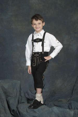 モデル リリース #270 ドイツ語 chrildren 年齢伝統的な服の 8 と 9 歳