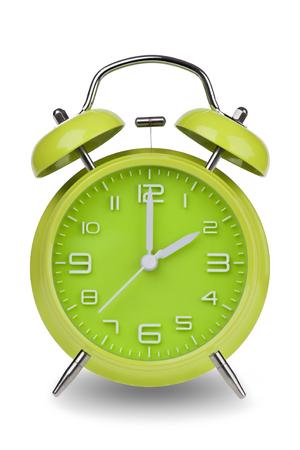 Groene wekker met de handen om 2 uur of uur geïsoleerd op een witte achtergrond. Één van een reeks van 12 beelden die de top van het uur te beginnen met 1:00  uur en gaan door al 12 uur Stockfoto