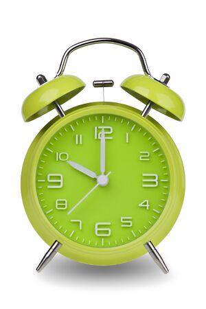 Groene wekker met de handen om 10 uur of uur geïsoleerd op een witte achtergrond met een het knippen weg. Één van een reeks van 12 beelden die de top van het uur beginnen met 01:00  uur en gaan door alle 12 uren