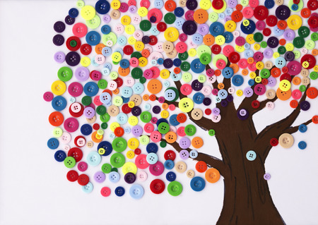 Kindergarten Children's craft of a tree made of buttons 免版税图像