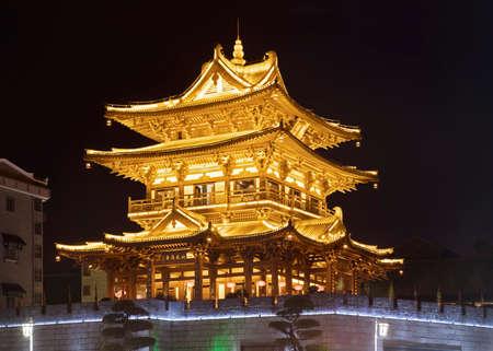 桂林タワーは桂林市のダウンタウンの中心部に位置しています。 中国の広西省