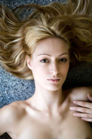 lookalike: Portrait of a Paris Hilton look-a-like seen from above
