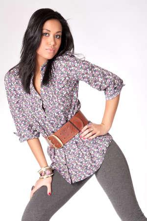Fashion Portrait einer jungen schönen Frau in Afrika Standard-Bild - 4584479