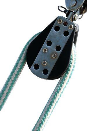 pulley: Una foto aislada de la ruta con una cuerda y la polea