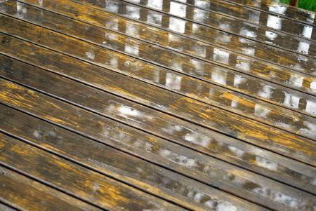 Resumen de fondo de una cubierta de madera húmeda  Foto de archivo - 2028650