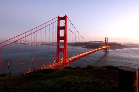 Golden gate bridge in Sanfrancisco during dusk photo
