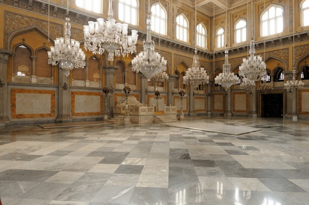 trono: Un antiguo palacio de los Nizams de la India en Hyderabad