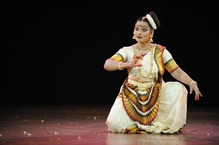 CHENNAI - JAN 11: Indian classical dance Mohiniattam performed by an accomplished dancer Pallavi Krishnanin on  Jan 11, 2012 in Chennai, India