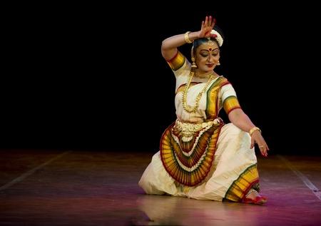 CHENNAI - JAN 11: Indian classical dance Mohiniattam performed by an accomplished dancer Pallavi Krishnanin on  Jan 11, 2012 in Chennai, India Stock Photo - 13386641