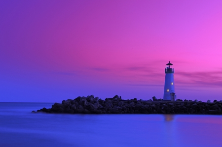 Lighthouse at Walton Santacruz california during dusk