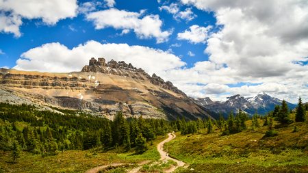 The Mountain View of Dolomite Peak from Dolomite Pass in Banff National PArk, Alberta, Canada Banco de Imagens