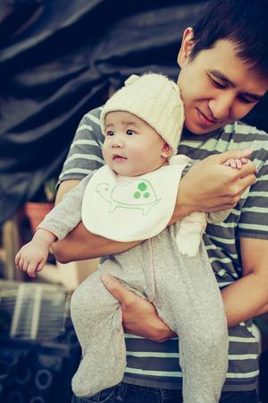 아버지와 아기
