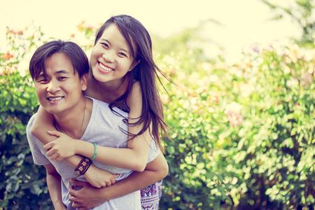 Happy young couple having fun outdoorvvv Reklamní fotografie