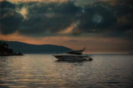 amanecer: Barco Sunset  Sunrise Foto de archivo