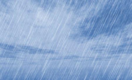 kropla deszczu: deszcz burza tła w pochmurnej pogodzie