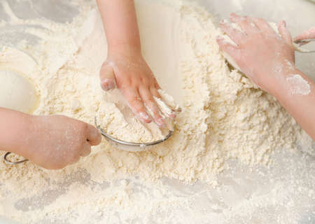 sift: prepare meal food. sift white flour