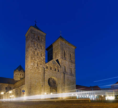 lightrays: Osnabr?ck - Cathedral St. Peter in the city centre of Osnabruck at Night with light rays