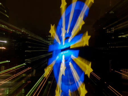 The euro monument is shown in front of the European Central Bank, taken with lens shift Stok Fotoğraf