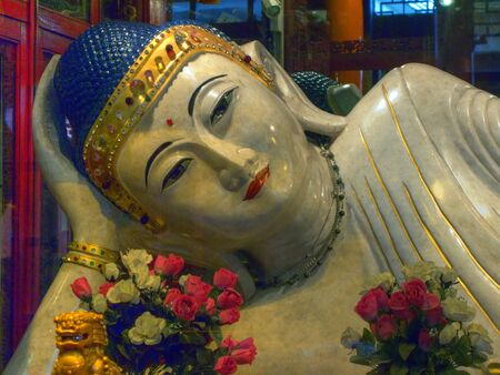 jade buddha temple: The Jade Buddha is in the most important Buddhist temple in Shanghai, China
