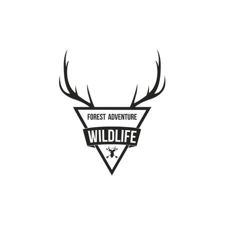 Antlers Badge 로고 디자인 템플릿으로 포레스트 어드벤처 일러스트