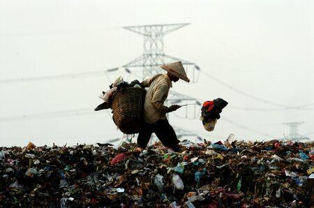 landfills: Search trash in landfills Benowo Surabaya East Java Indonesia