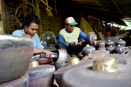 gamelan: Indonesia traditional musical instrument maker, Gamelan in Paju Vallage, Ponorogo, East Java, Indonesia