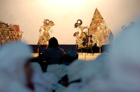 Wayang Kulit shadow puppet show at East Java, Indonesia 報道画像
