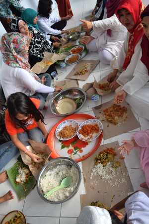 Eating together, traditions of Javanese Muslims on Eid celebration