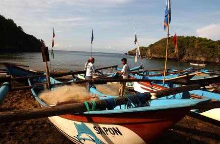 trawl: Fisherman on the beach Watu Karung, Pacitan, East Java, Indonesia