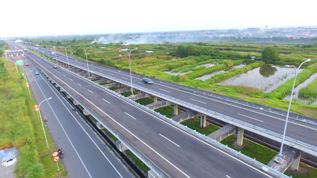 The toll road connecting Surabaya with Juanda International Airport in Surabaya, East Java, Indonesia 報道画像