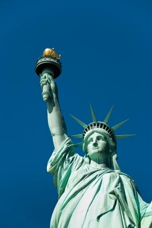 Estatua de la Libertad con el cielo azul de fondo
