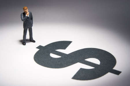 excise: Cifre d'affari e il segno del dollaro