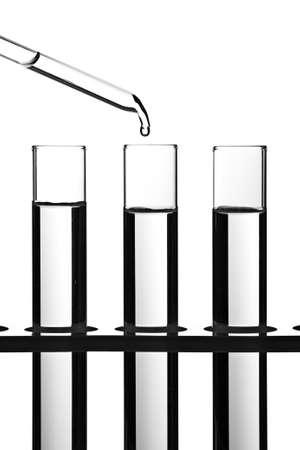 drug discovery: Provette e contagocce