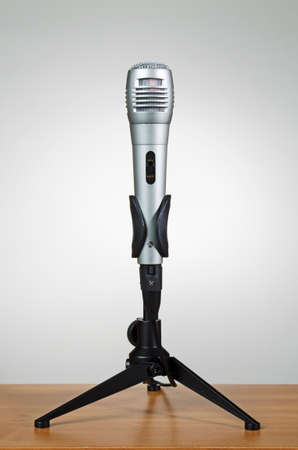 amplify: Microphone on stand