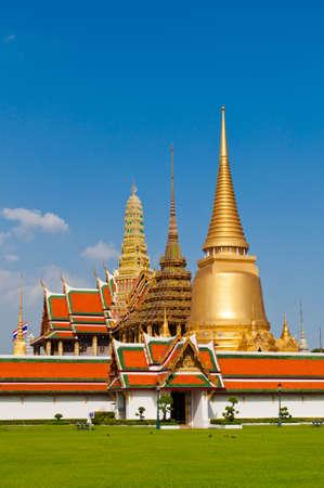 壮大な宮殿、バンコク、タイのランドマークの寺院 写真素材