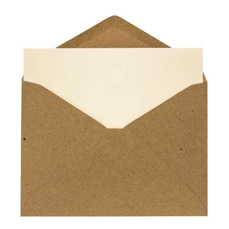 Sobre abierto marrón con el interior de la tarjeta aislado sobre fondo blanco